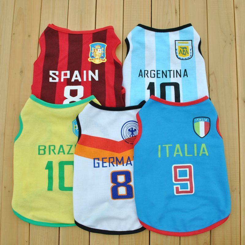 Services de l'équipe en Ligne-Nouveau service d'été Chien Pet Dog Vest Coupe du monde de soccer équipe de sport veste d'animaux 5 styles