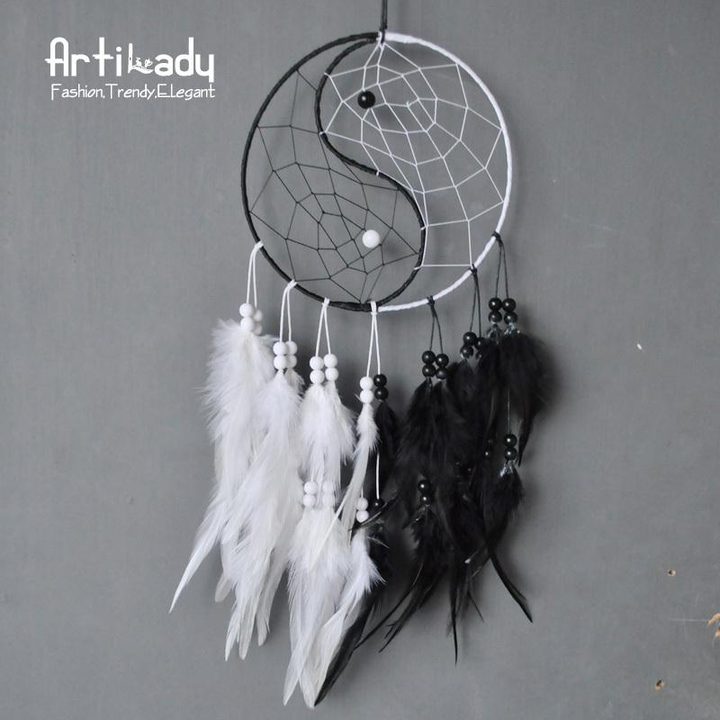 Wholesale Artilady classic yin yang boho large dream catcher europe retro white and black leather wall hanging dreamcatcher for women