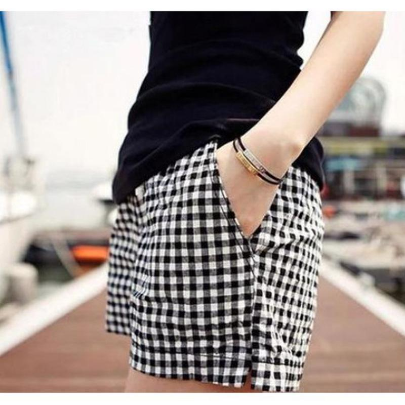 Wholesale Pius Size M XL Women Black And White Plaid Shorts Summer Style New Fashion Casual Loose Big Yards El