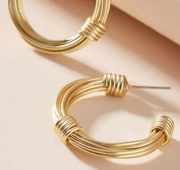 金属材质厚圈耳环