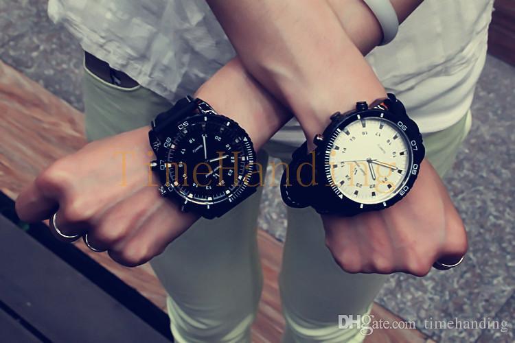 2015 cool black quality quartz wrist mens