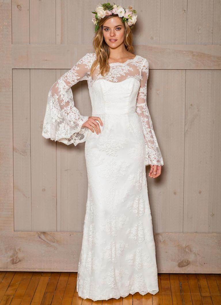 2016 Long Sleeve Modest Wedding Dresses Overlay Lace Bell Sleeves Sheath Swee