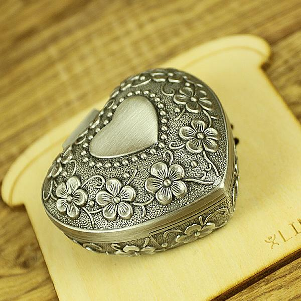 2018 heart shape ring jewelry boxes vintage alloy wedding for Heart shaped engagement ring box
