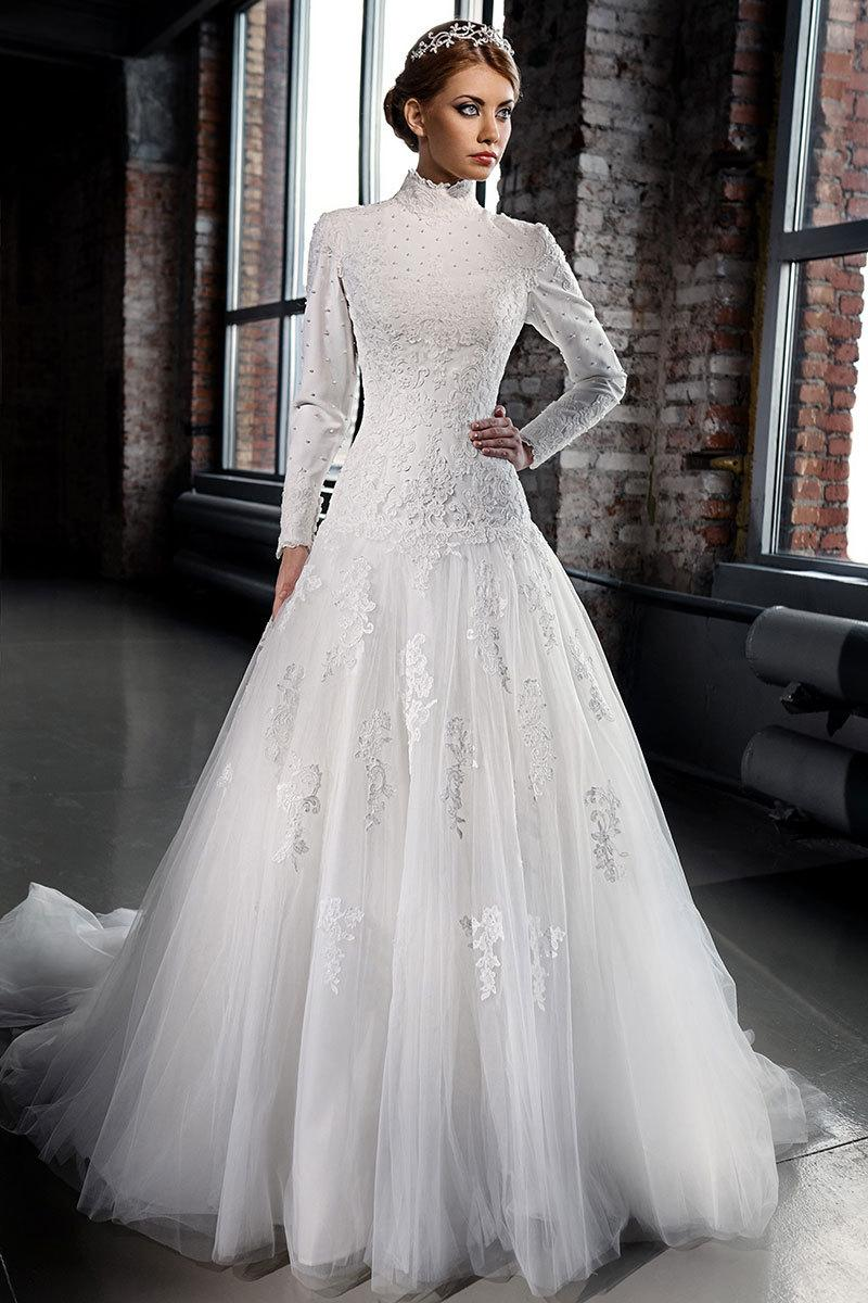 Discount high neck vintage 2016 lace muslim wedding for Cheap wedding dresses in dubai