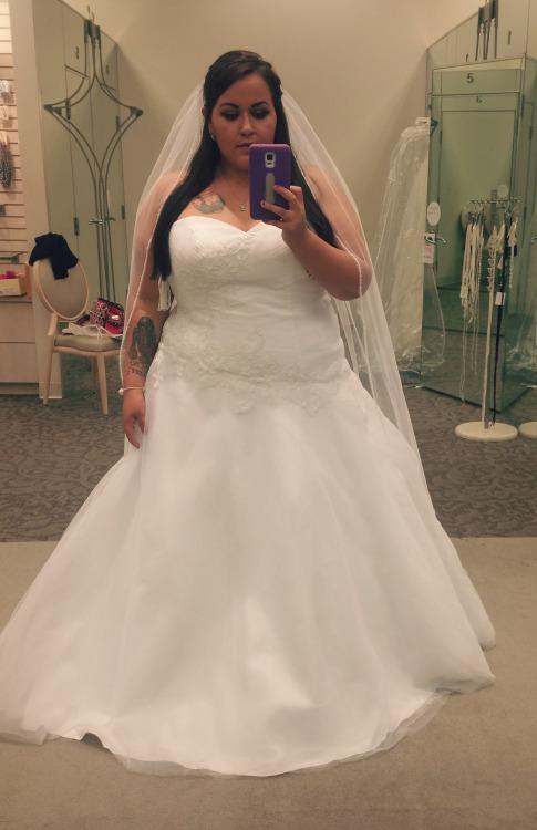 2016 Cheap Plus Size Wedding Dresses Simple Satin Court