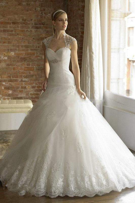 Wedding dresses 2015 christmas anne queen appliqued tiered tulle