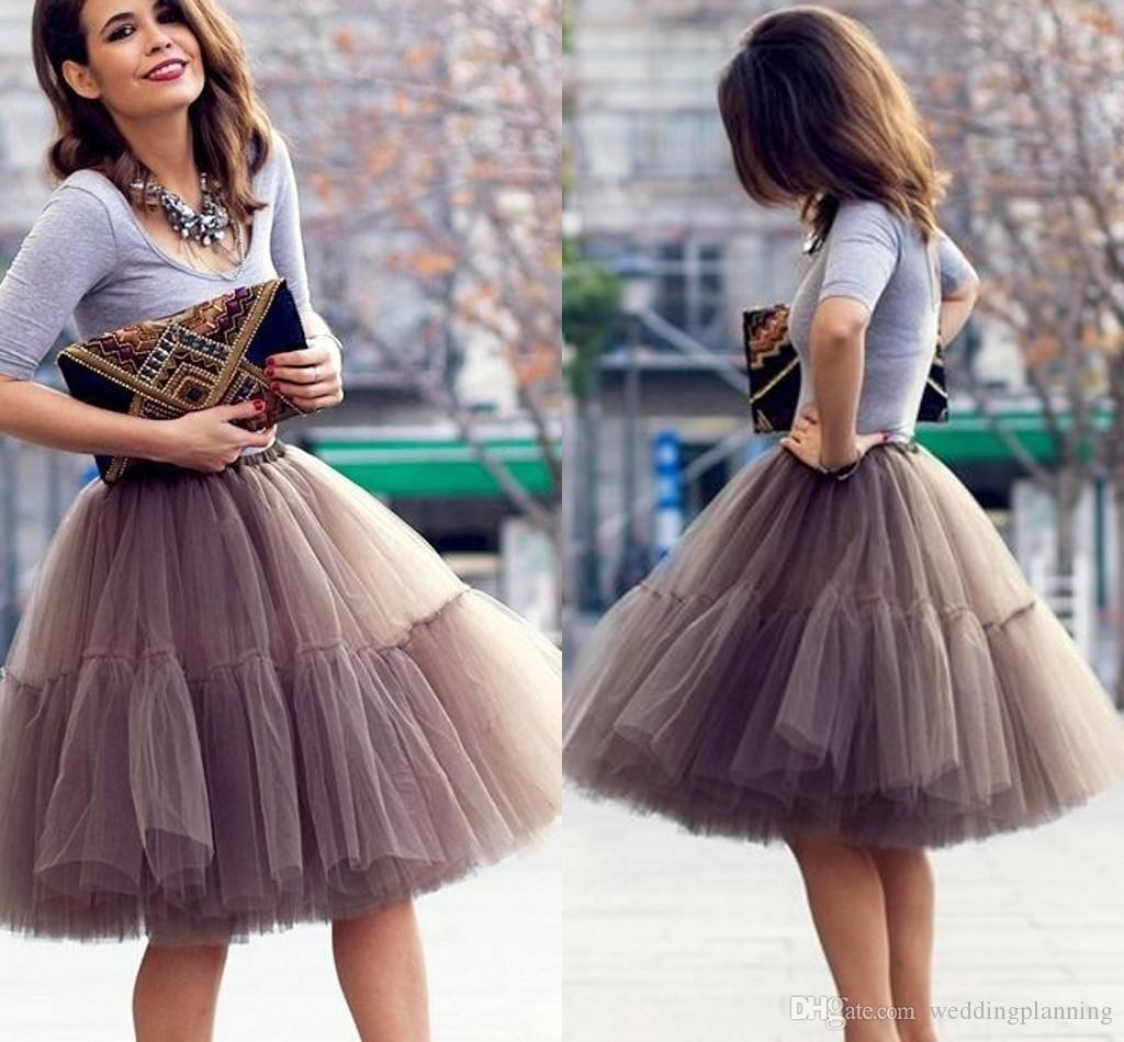 2017 Cute Short Skirts Young Ladies Knee Length Women Skirts Adult Tutu Tulle Clothing A Line