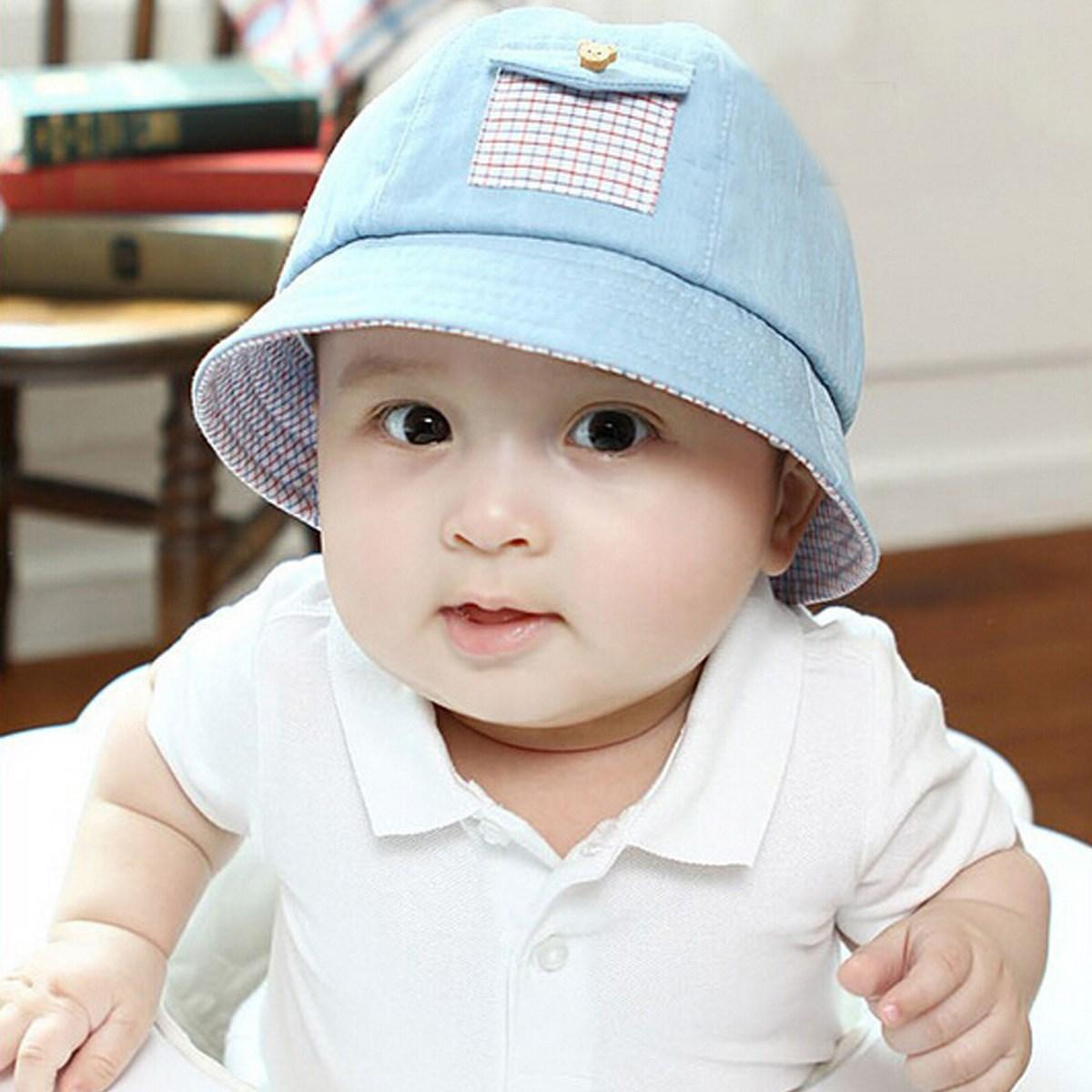Top off an incredible outfit with baby sun hats from Old Navy. These cool hats for baby boys and girls are instantly photo worthy. Be the hip aunt, uncle or family friend who adds a touch of style to that special kid's wardrobe with a selection from Old Navy.