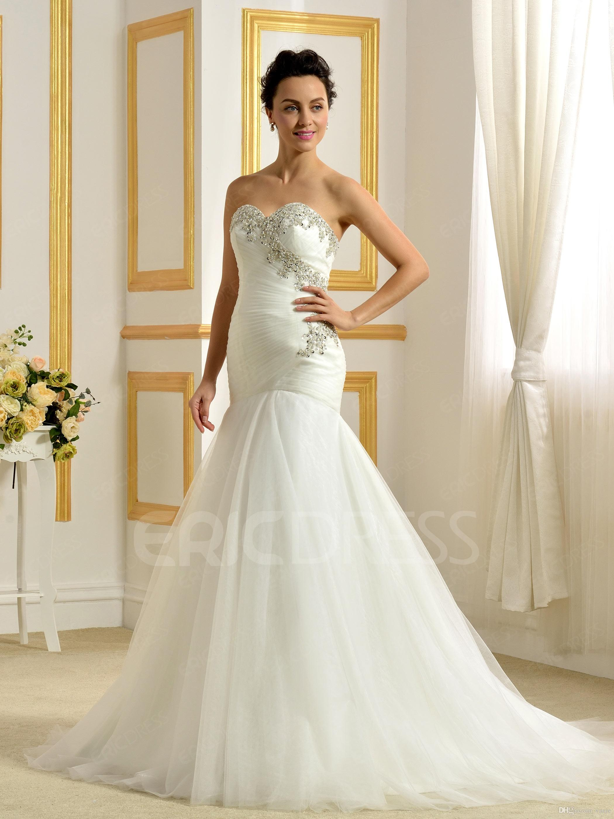 Fashionable bride dresses