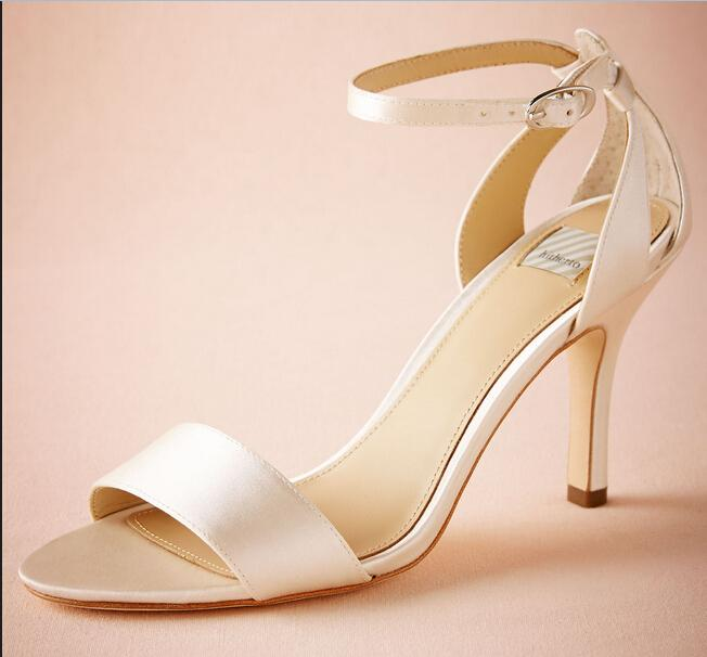 2016 Ivory Wedding Shoes Custom Made Plus Size Cheap Modest Fashion Buckle Strap 8CM High Heels