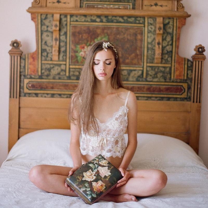 2015 Sexy White Lace Bridal Undergarments Wedding