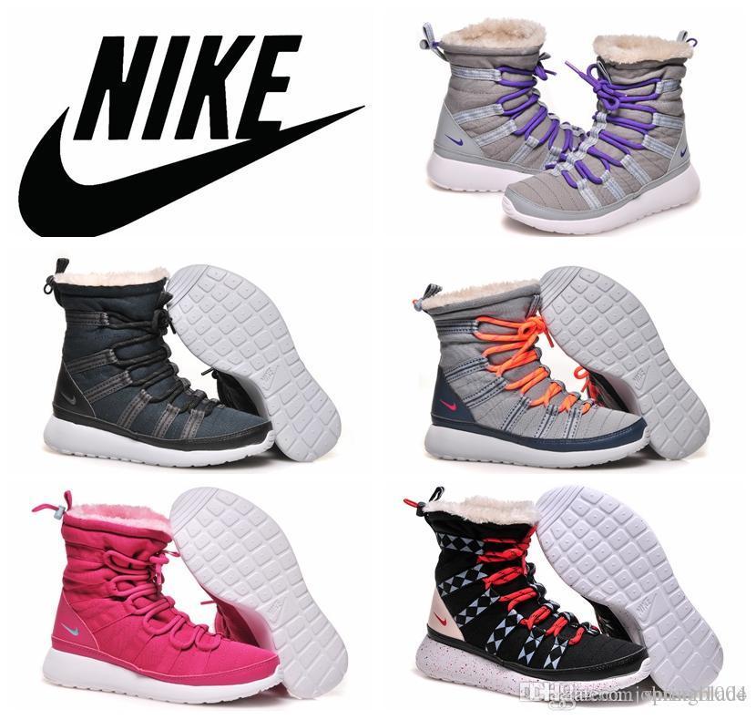 Unique Six Feet Down Womens Nike Winterboots!!