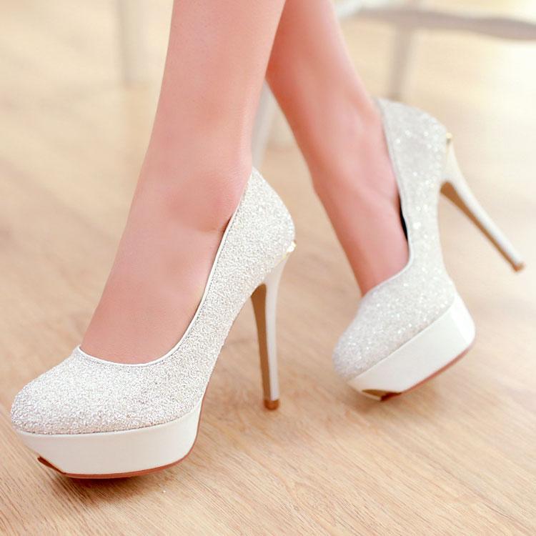 Оптом - 2015 горячий продавать дешевые новые свадебные туфли синий белый марка блестками женщин's Sexy туфли на шпильке высокие каблуки, заклепки платформы