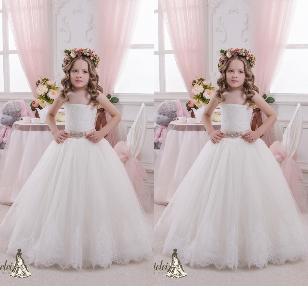 White Vintage Flower Girl Dresses 2016 Cheap A Line Strapless Beaded Lace Flo
