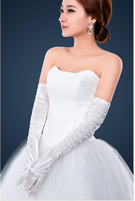 Wedding dresses gloves wedding dresses in jax for Wedding dresses with gloves