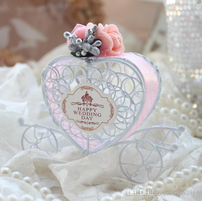 Romantic Carriage Wedding Favor Box For Candies New Marriage Chocolate Party Boxes With PE Flower And Ribbon Suppliers Holders
