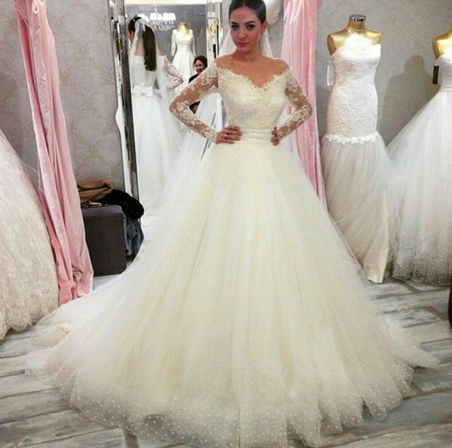 Off the Shoulder Long Sleeve Wedding Dress_Wedding Dresses_dressesss