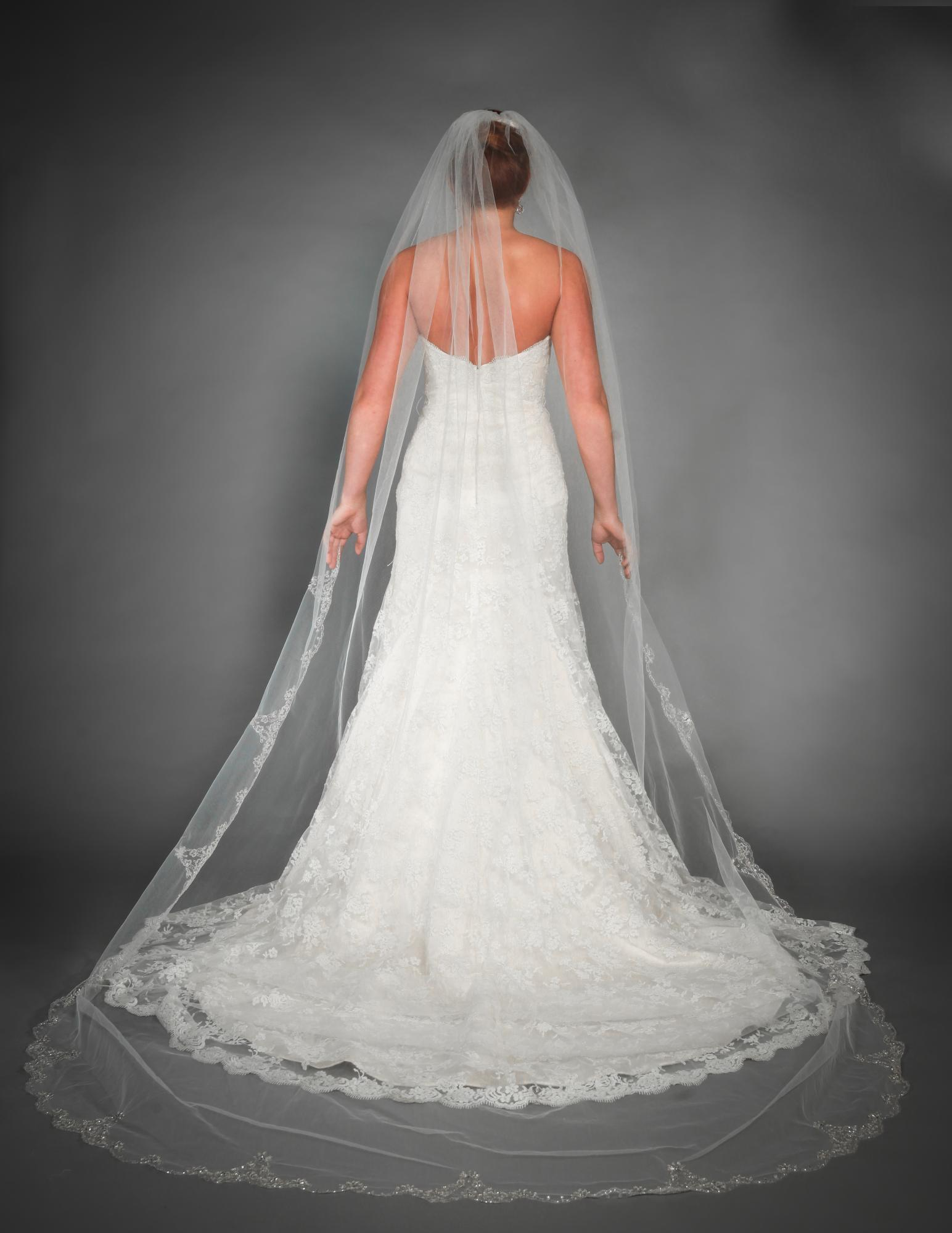 White Ivory Beaded Wedding Veils Long 2015 Cathedral With Comb 1 Layer Cheap Bridal Accessories