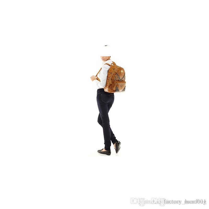 Fashion Leather Handbags for Women M High Quality Rivet Backpack Rain EXO Celebrity Same Bags Big Capacity Travel Rucksack Drop Shipping