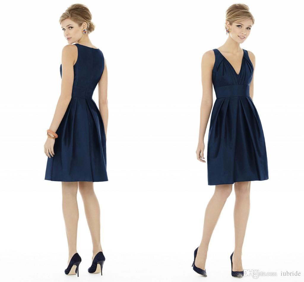 2015 Modest Navy Blue Short Bridesmaid Dresses V Neck