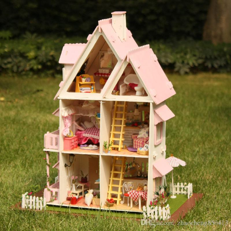 2016 New Wooden Dollhouse