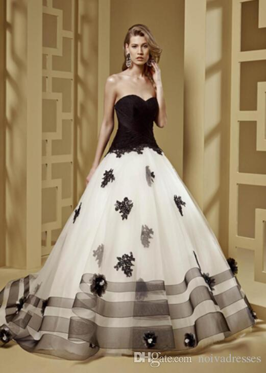 Discount 2016 Black And White Gothic Wedding Dresses Cheap