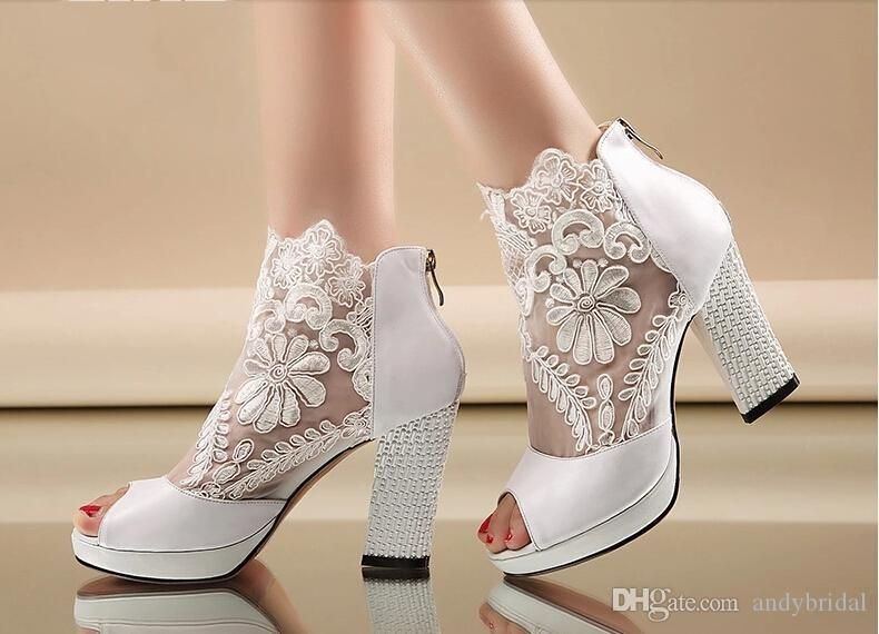 2015 Cheap Wedding Shoes With Kitten Heels Peep Black/White ...
