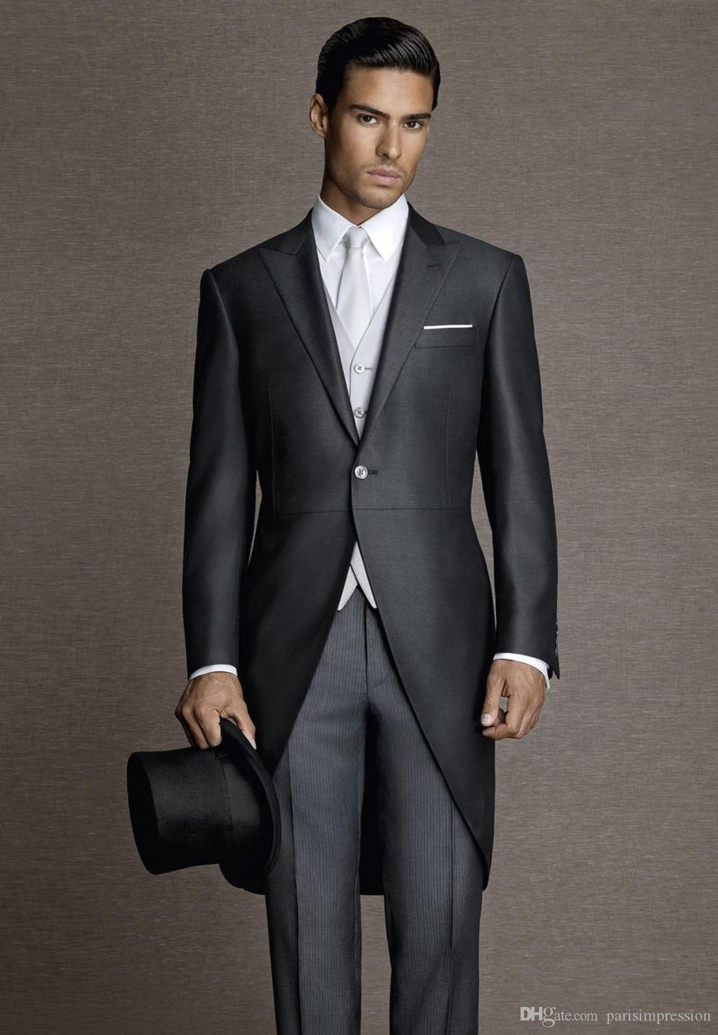Vintage Black Men Tailcoats Peaked Lapel Wedding Suits For Men