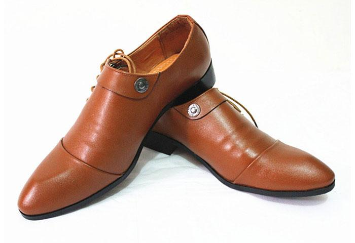 How to Wear Brown Shoes & Boots for Men. Description. Did you ever ask youself when brown shoes for men are better than black ones & do you want to know how to wear brown shoes? Read this! How To Choose A Wedding Band Ring. Best Hair Products For Men & More. 57 replies. Brock says: November 6, at AM.
