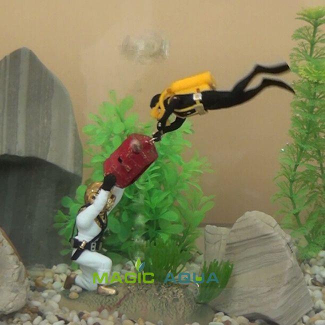 2017 double treasure hunter diver action figure fish tank for Aquarium diver decoration