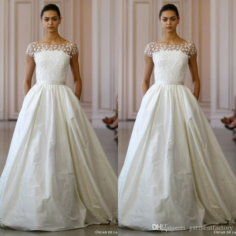 Spring 2016 oscar de la renta wedding dresses 3d floral for Oscar de la renta short wedding dress