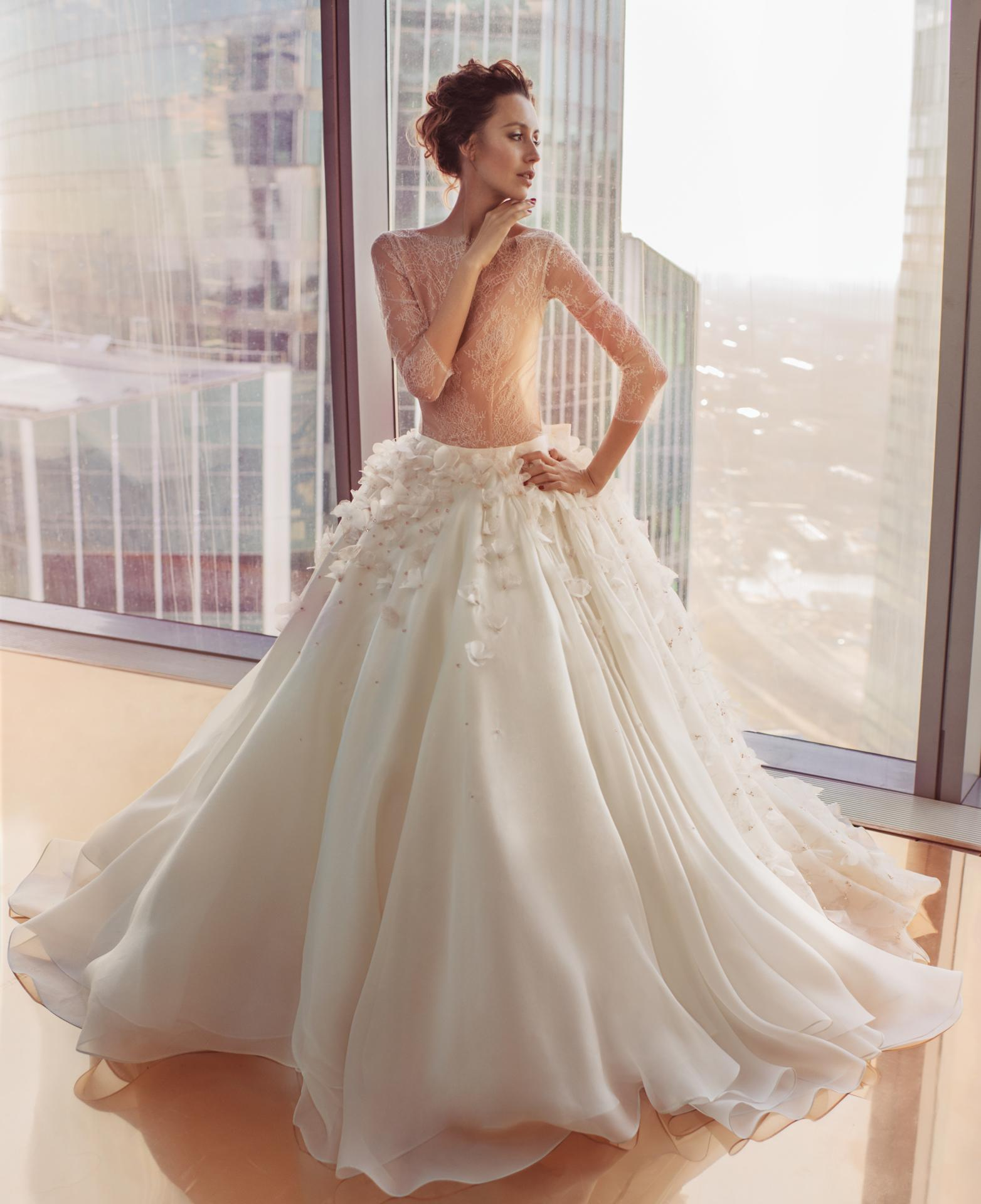 Discount 2016 Sheer Lace A Line Wedding Dresses Long