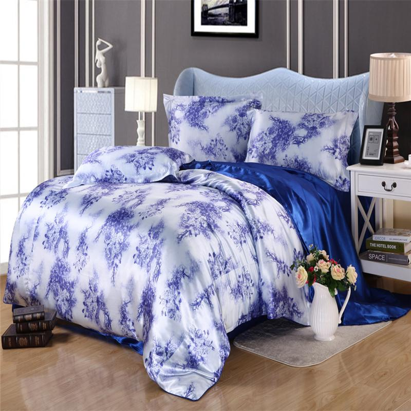 Silk feel satin christmas tree noble duvet cover set for Housse requirements
