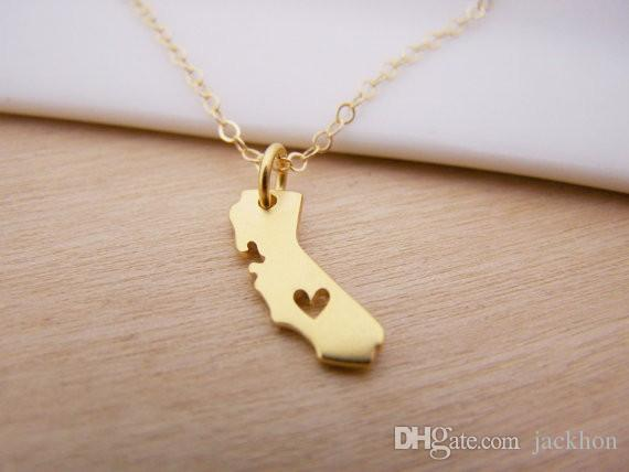N057 Outline California Map Necklace With Heart USA CA State
