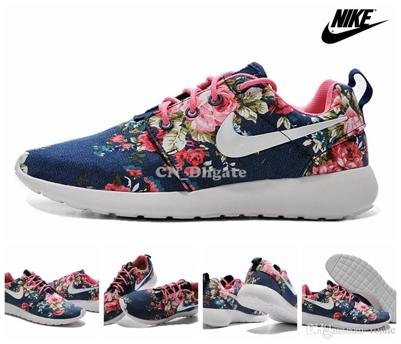 nike shox crampons de métal bleu - 2015 Nike Wmns Roshe Run Print Floral Navy Blue White Flower Women ...