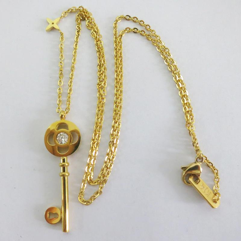 Wholesale 18k gold plated necklace for women titanium for Does gold plated jewelry fade