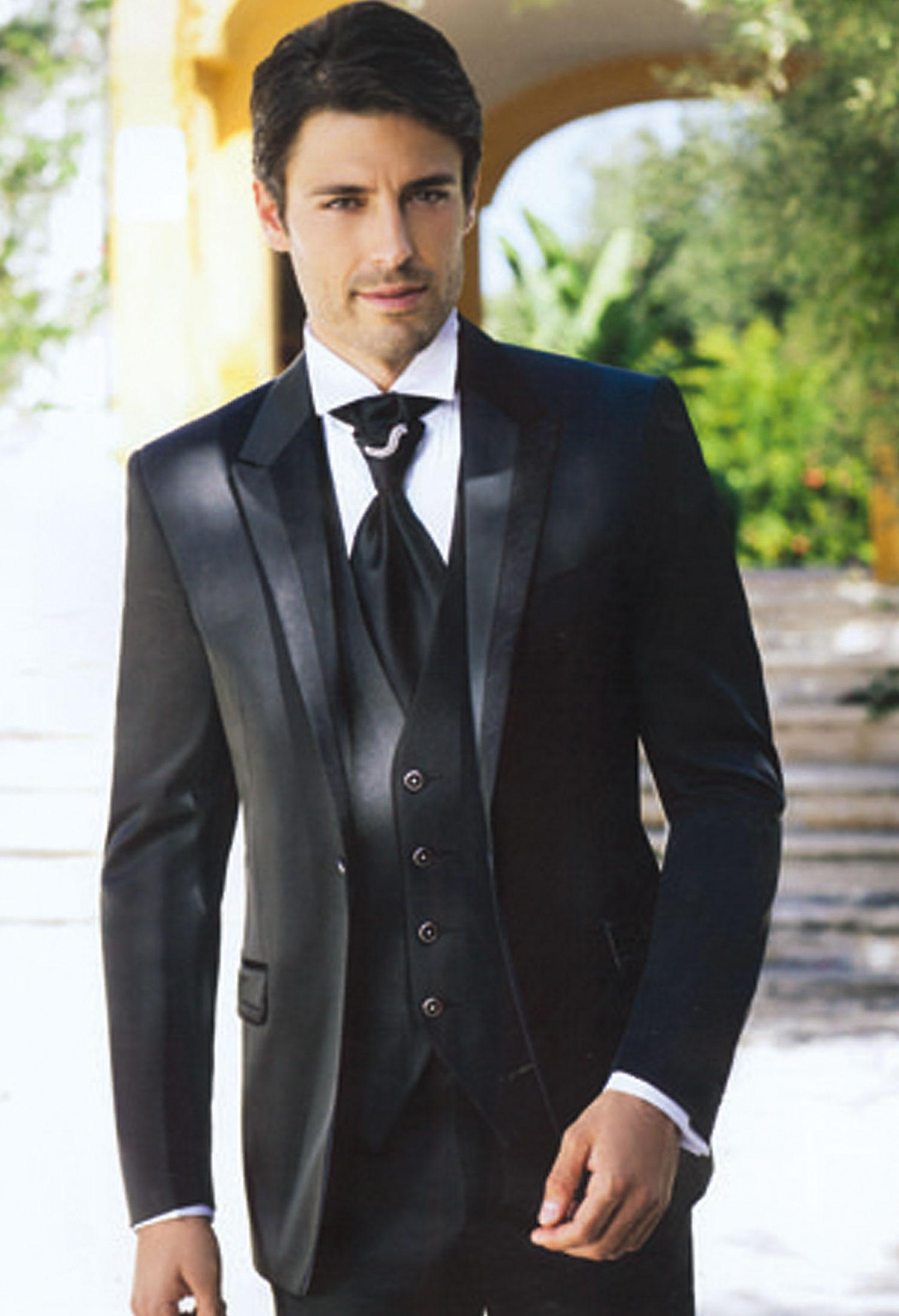 2015 Fashion Black Mens Suits Peaked Lapel Wedding Suits for Men