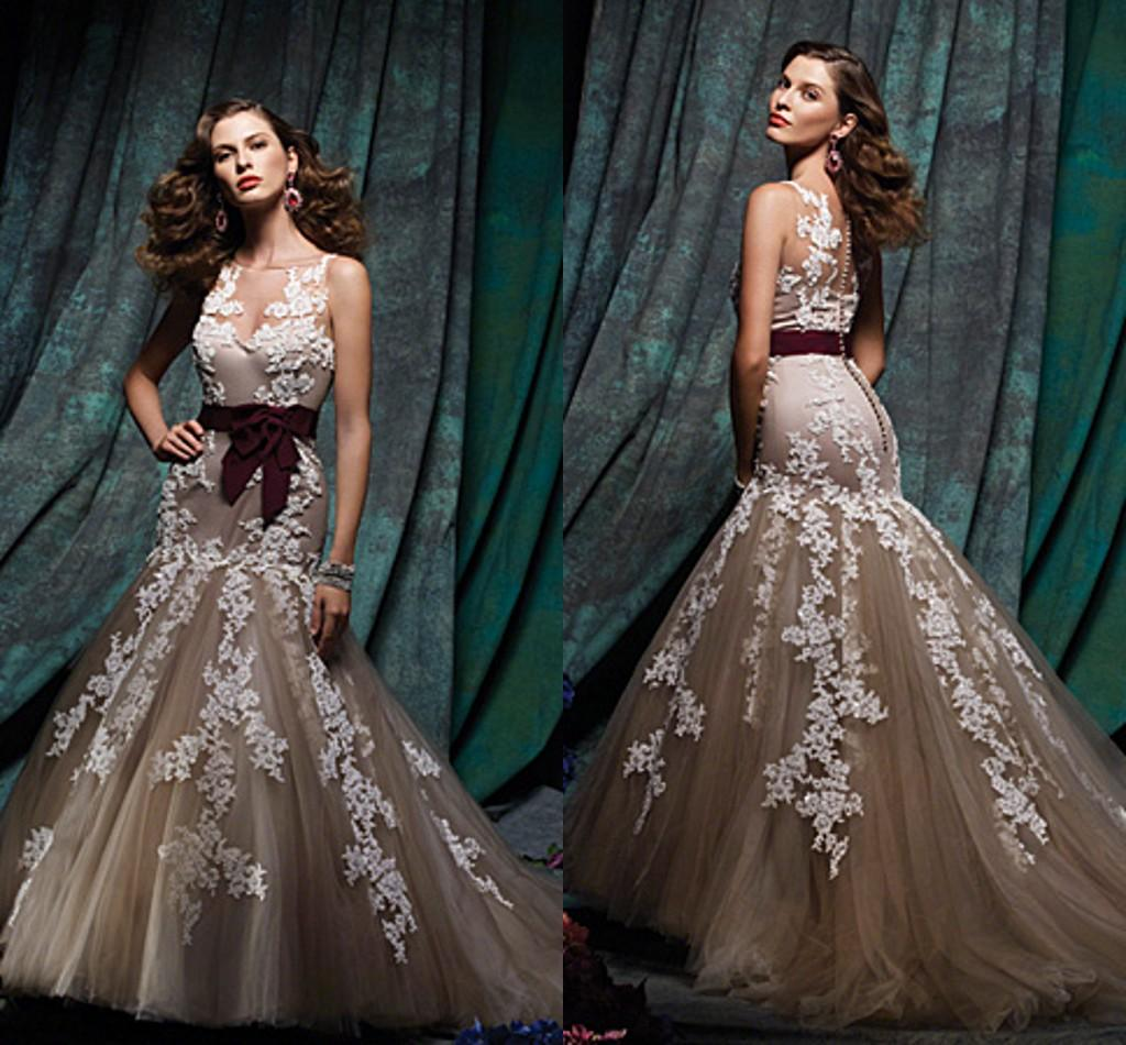 2015 Spring Sheer Neckline White Lace Applique Gray Gown