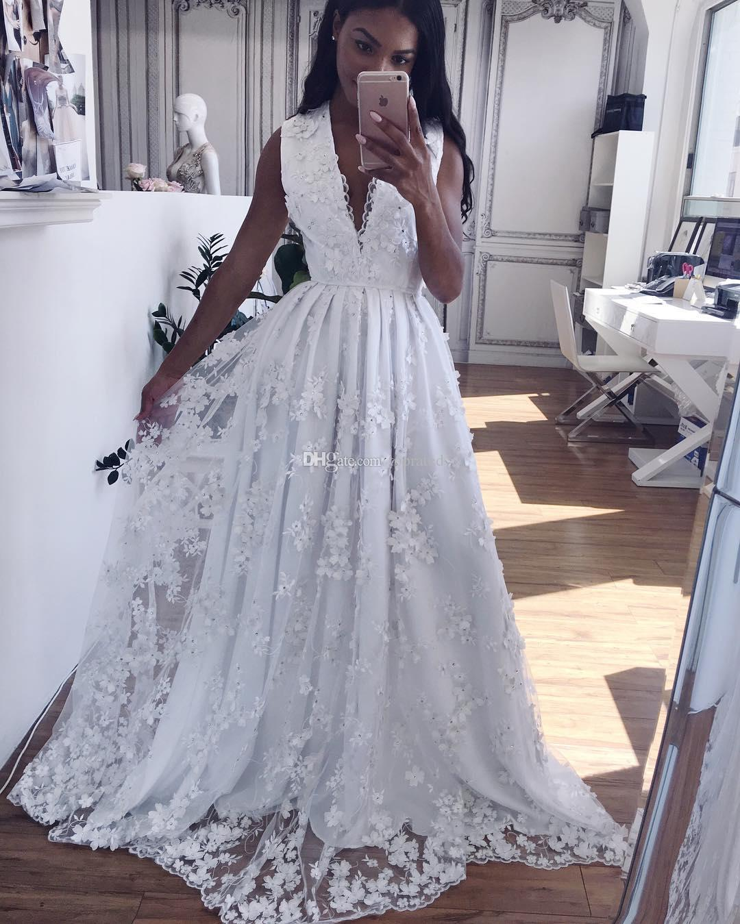 Luxury 3d Floral Appliques Prom Dresses Deep V Neck Bead