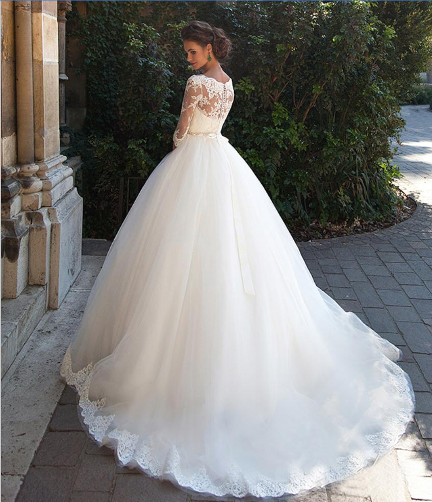 Ivory lace puffy wedding dress ball gown 2016 3 4 sleeve for Very puffy wedding dresses