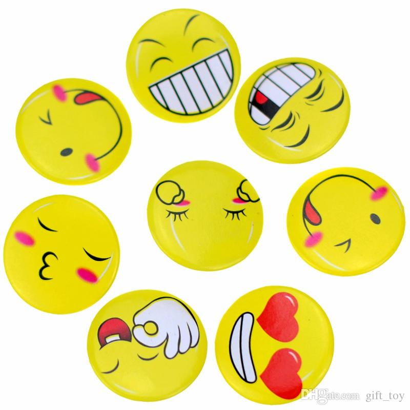 New 2016 Emoji Smile Badge Jouet Enfants Broche Cartoon Figure d'action Cadeau d