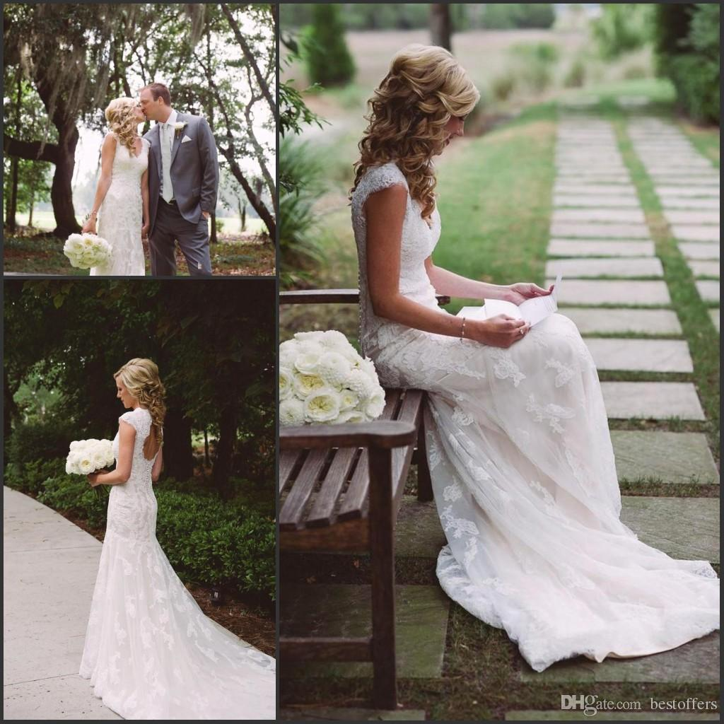 Discount romantic vintage lace wedding dresses 2017 summer for Www dhgate com wedding dresses
