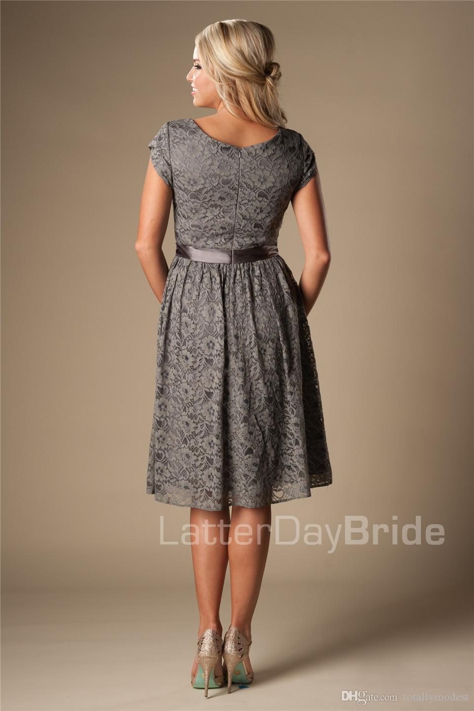 Grey Short Modest Bridesmaid Lace Dresses With Short
