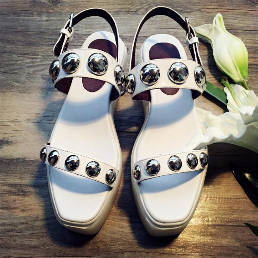 European sandals shoes - Summer 2016 Fashion Leather Shoes European And American Students Muffin Bottom Shoes Sandals Influx Of People