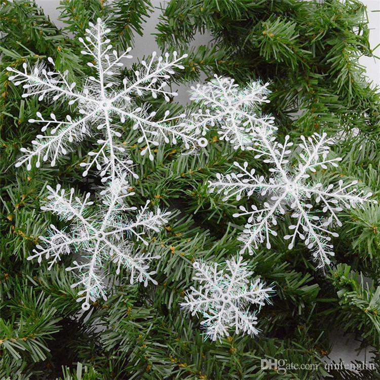 New delicate white snowflake ornaments christmas tree