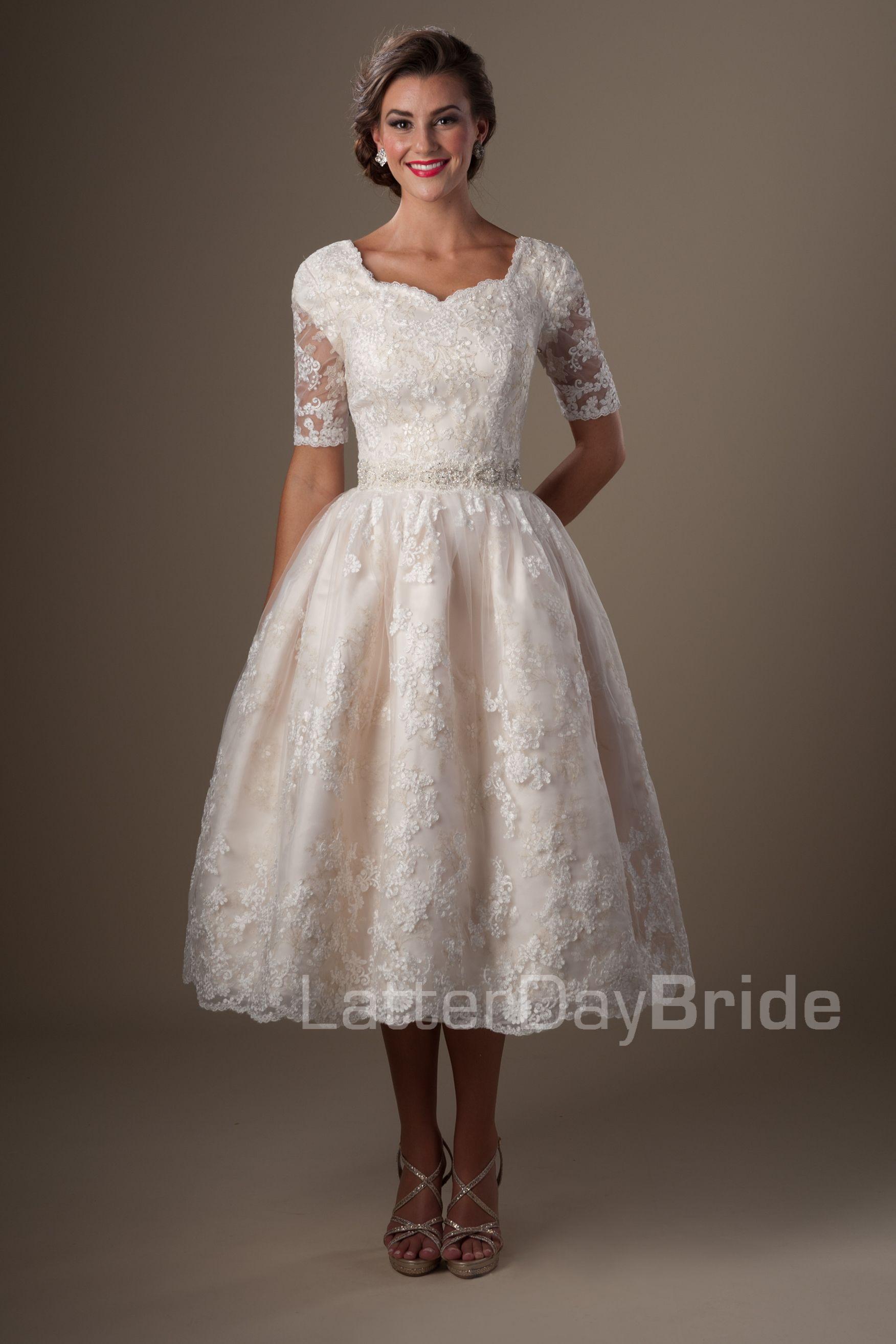 Vintage champagne lace tea length modest wedding dresses for Winter tea length wedding dresses