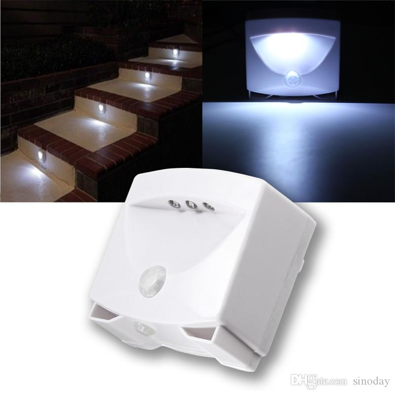 Mighty Light Capteur de mouvement sans fil activé LED Night Light Indoor Outdoor