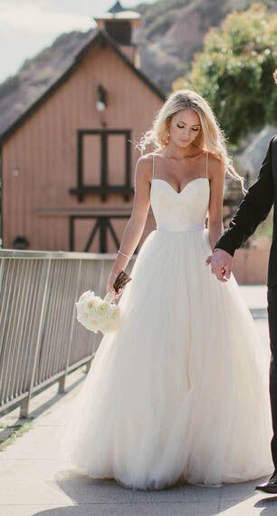 Cheap Beach Wedding Dresses Ivory Spaghetti Straps Sweetheart