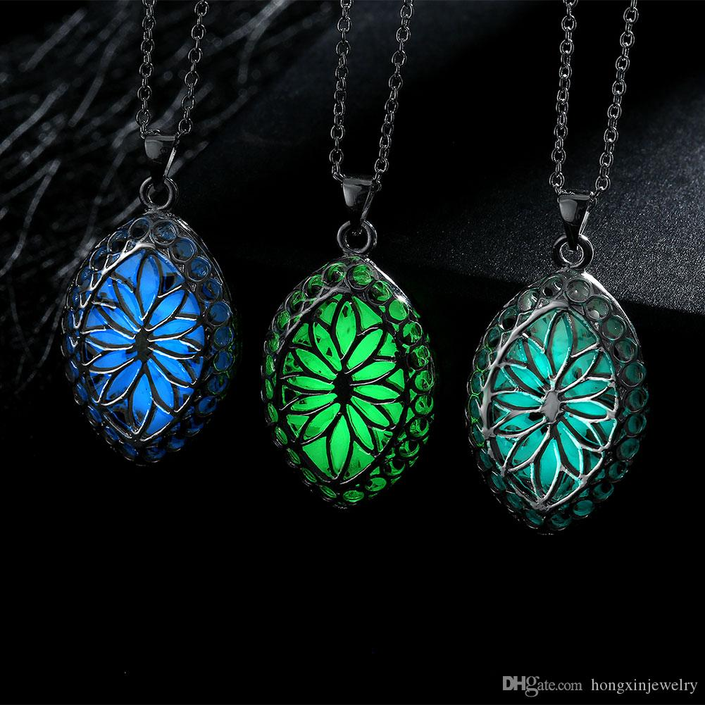 wholesale china supplier luminous necklace pendants. Black Bedroom Furniture Sets. Home Design Ideas