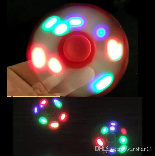 2017 LED Light Hand Spinners Fidget Spinner Triangle haut de gamme Finger Spinni
